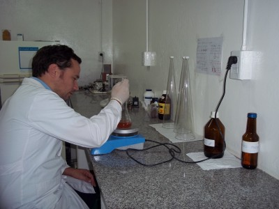 laboratorio de analisis de a y alim (11)