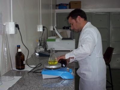 laboratorio de analisis de a y alim (7)